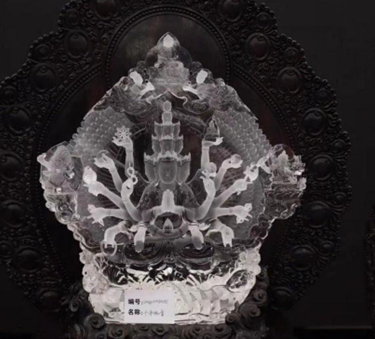 无瑕胜玉美,至洁过冰清——水晶雕刻师刘凌峰